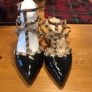BCBG women's Beige/Blk. Patent Heels